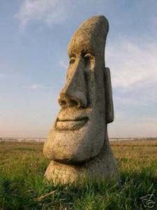 Stunning-Easter-Island-Head-Garden-Tiki-Statue-1-1